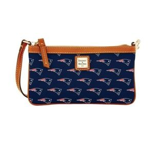 DOONEY & BOURKE NFL New England PATRIOTS WRISTLET